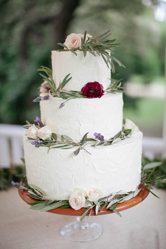 garden themed wedding cake toppers garden themed winter wedding 100 layer cake 14644