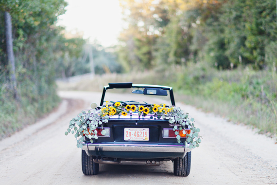 Vintage car engagement shoot | Photo by Love Flora Fauna | Read more - https://www.100layercake.com/blog/?p=69089