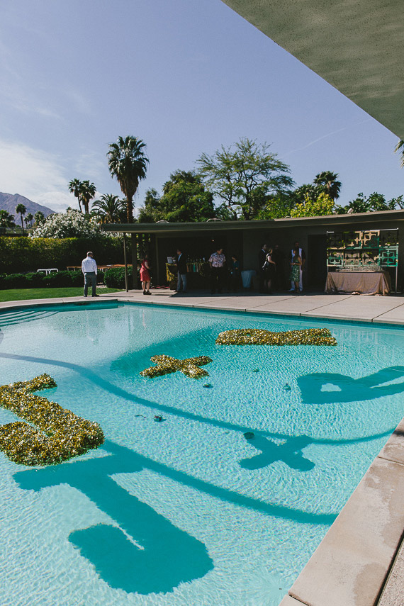 Mid-century modern Palm Springs wedding | Photo by  | Photo by Steve Cowell | Read more  https://www.100layercake.com/blog/?p=74949Mid-century modern Palm Springs wedding | Photo by  | Photo by Steve Cowell | Read more  https://www.100layercake.com/blog/?p=74949