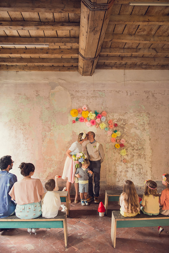 Whimsical kid friendly wedding ideas | Photo by Giuli and Giordi | Read more - https://www.100layercake.com/blog/?p=74917