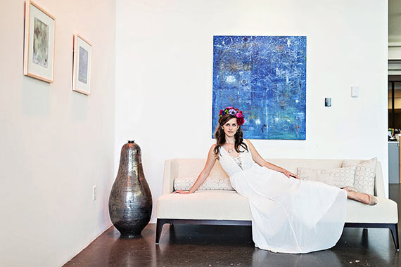 Modern art gallery wedding inspiration | Photo by LIGHT Art and Design | Read more - http://www.100layercake.com/blog/?p=80257