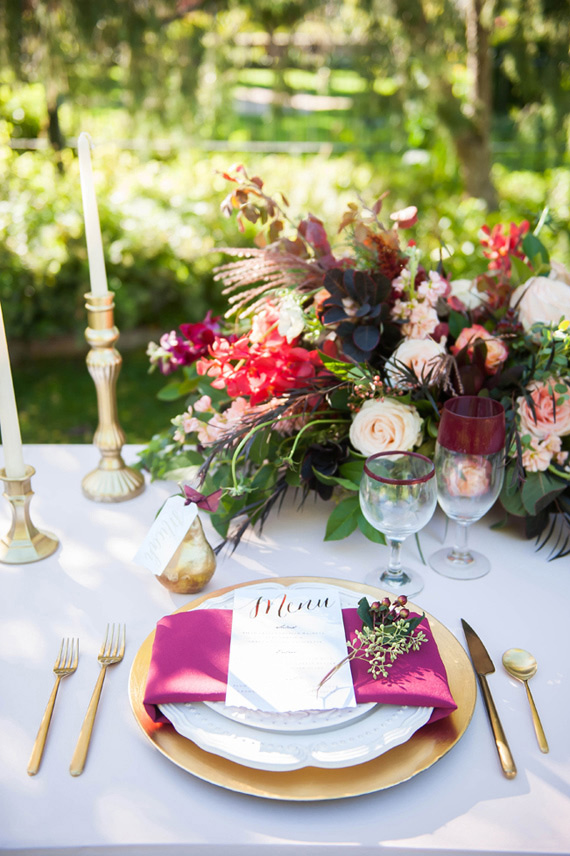 Rich plum and pink wedding inspiration | Photo by Alyssia B Photography | Read more - https://www.100layercake.com/blog/?p=82309