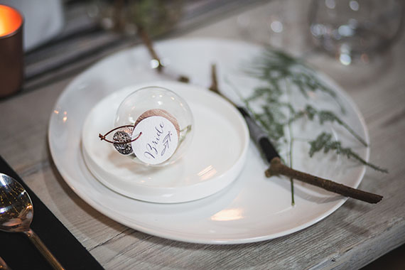 Contemporary Scandinavian winter wedding inspiration | Photo by Tandem Photo | Read more - https://www.100layercake.com/blog/?p=83407