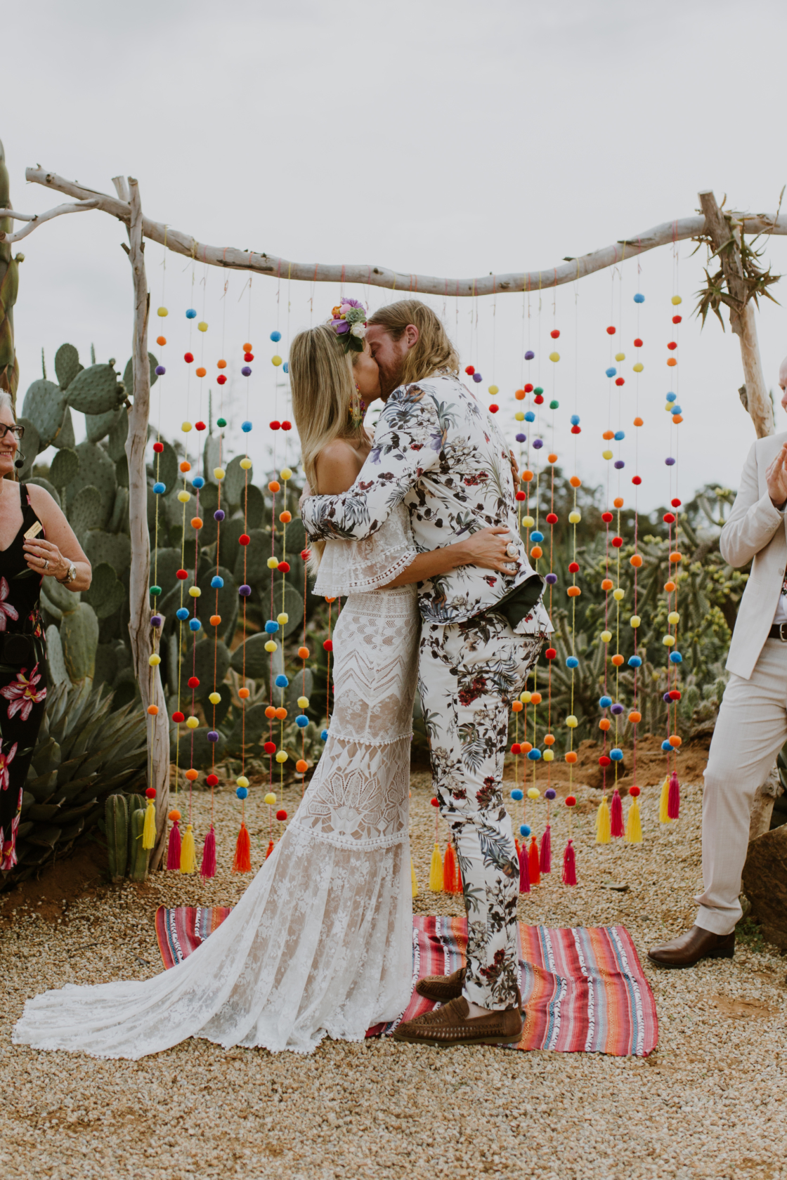 Colorful wedding ceremony | Elsa Campbell