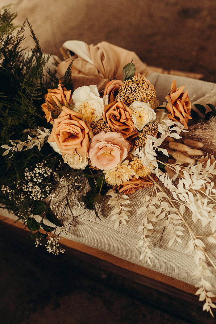 Earth tone bridal bouquet