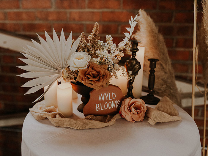 Tropical earthy wedding florals