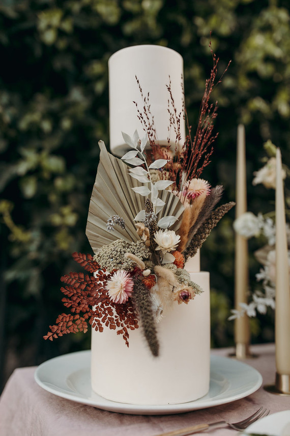 Modern foliage wedding cake
